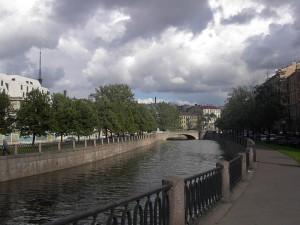 Набережная реки Кaрпoвки