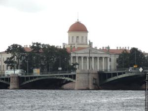 Здание таможни — Пушкинский дом