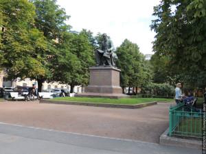 Памятник Н. А. Римскому-Корсакову