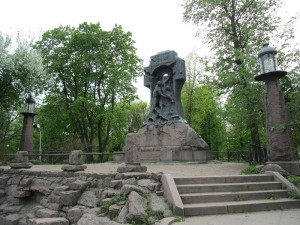 Памятник миноносцу «Стерегущий»